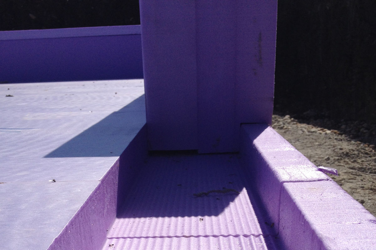Bausatz-Paket mit Fundamentdämmung und Aufkantung für das Selbstbauhaus