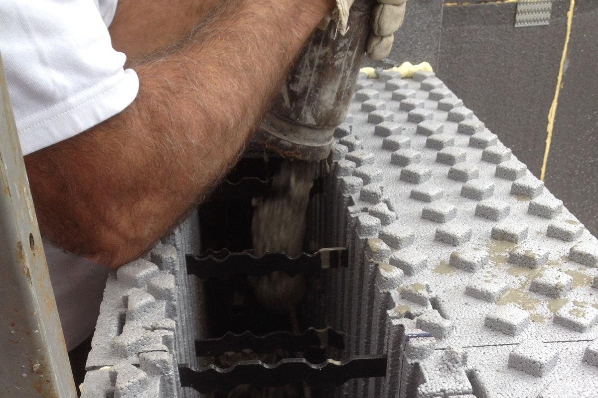 Bausatz-Paket mit Beton für das Selbstbauhaus